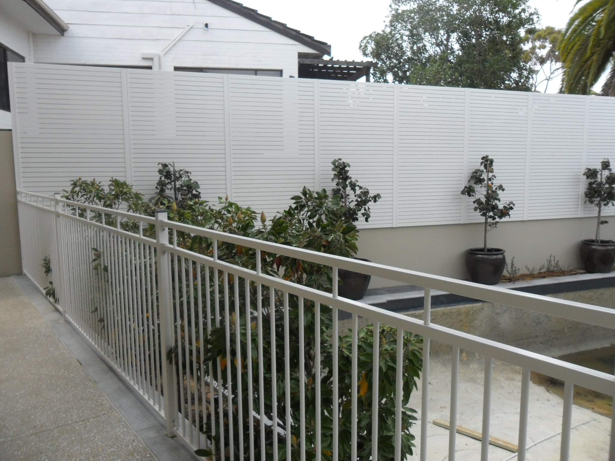 Tubular fencing perth steel aluminium tube fences craftsman tubular pool fencing perth tubular 2 baanklon Images