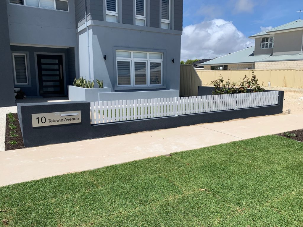Picket Fencing in Burns Beach