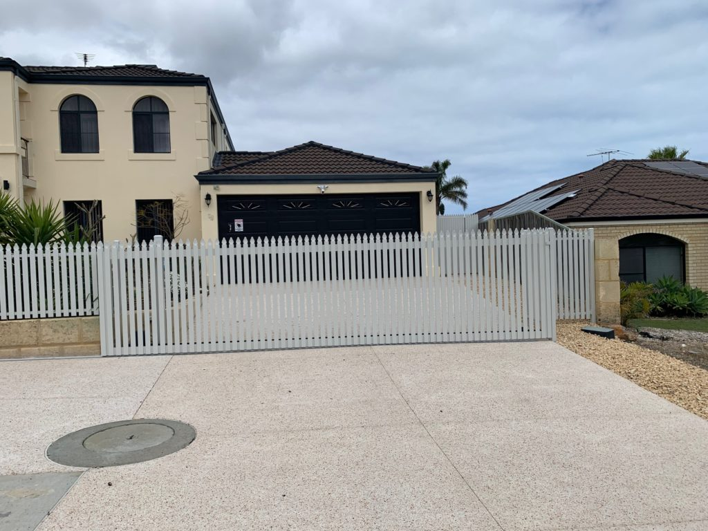 Picket Fencing in Mindarie