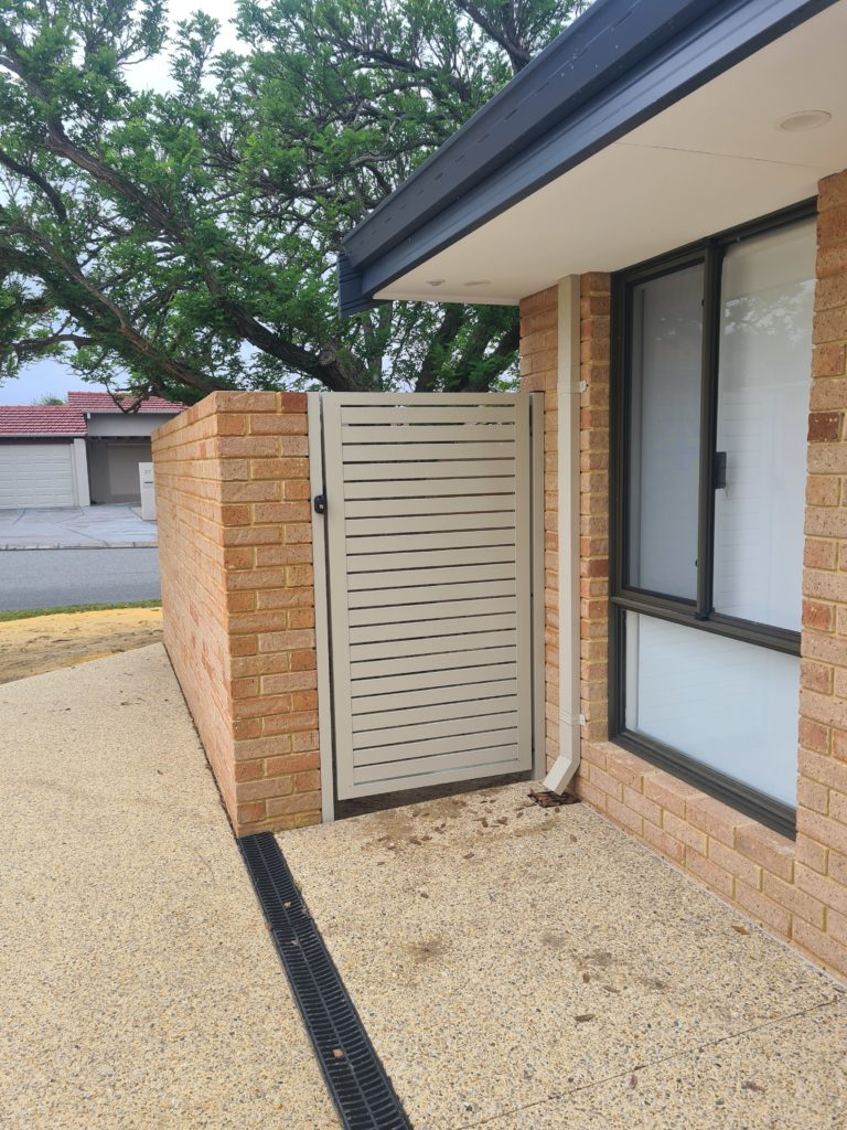 Aluminium Slat Gate Installation